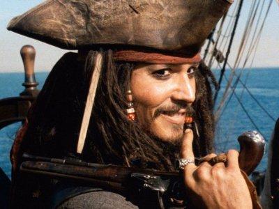 Descargar ringtone con tema de Piratas del Caribe gratis