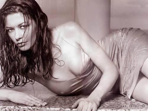Catherine Zeta-Jones Screensaver: Mira en tu escritorio a esta famosa