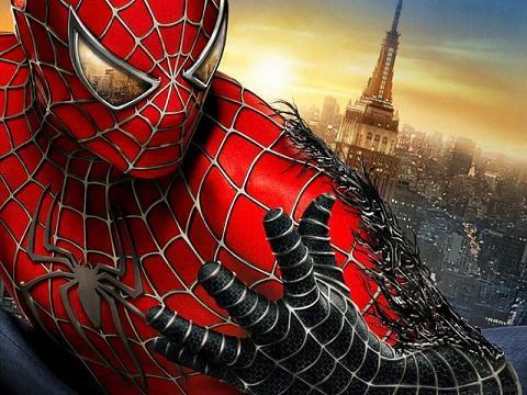 Fondo buenazo de Spiderman transformándose en el malo