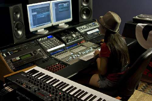 The Music Producer: Diviértete creando melodías